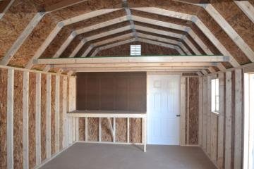 Gambrel inside with organizer packet.